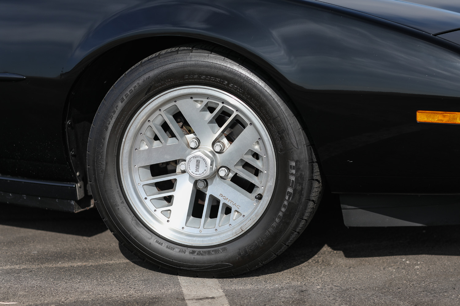 Pontiac Formula Wheel Tire