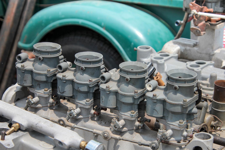 four-barrel carburetor