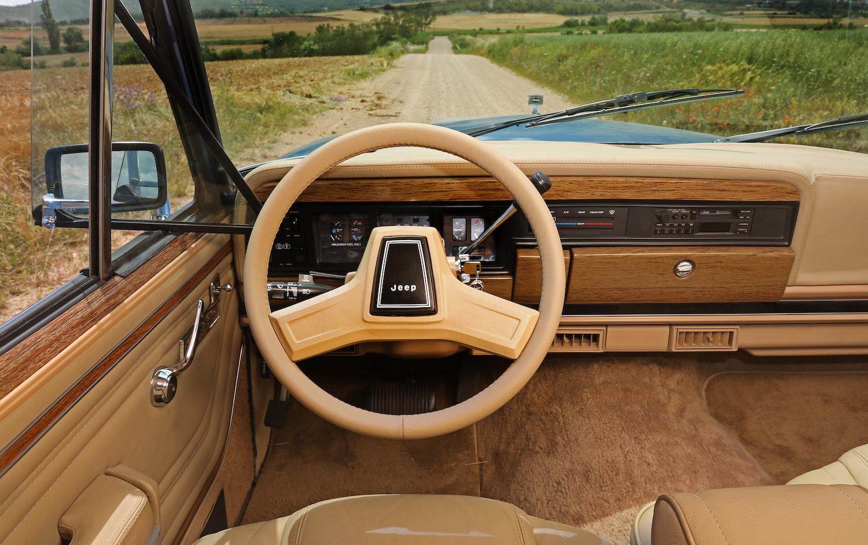 Jeep Grand Wagoneer Dash Interior