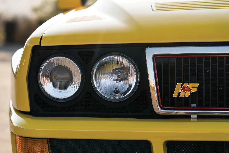 1992 Lancia Delta HF Integrale Evoluzione 'Giallo Ferrari' badge