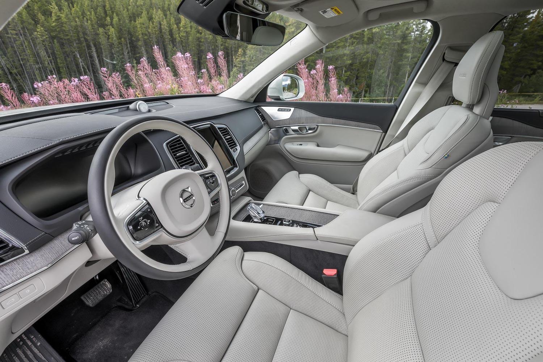 2020 Volvo XC90 T8