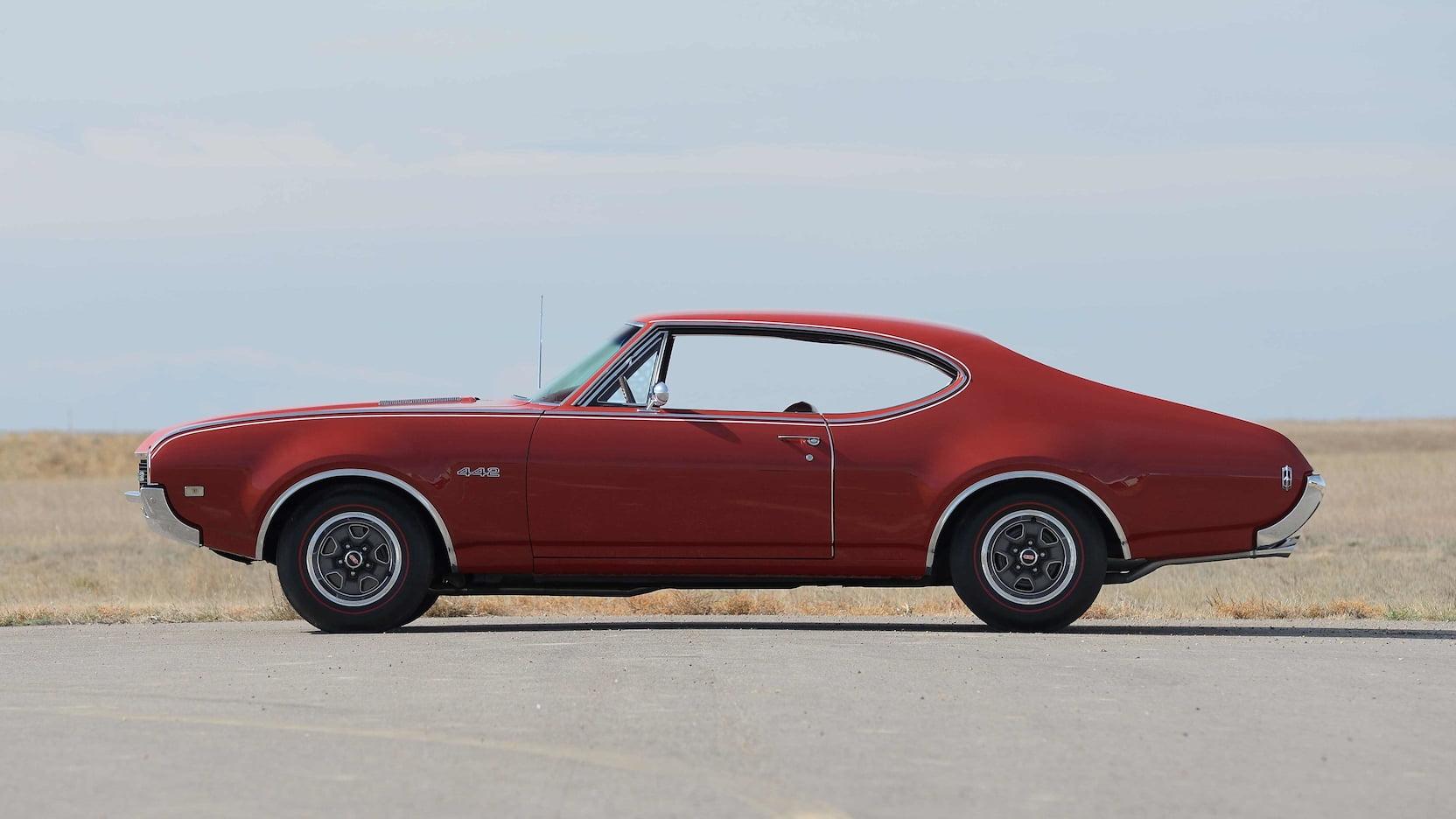 1968 Oldsmobile 442 profile