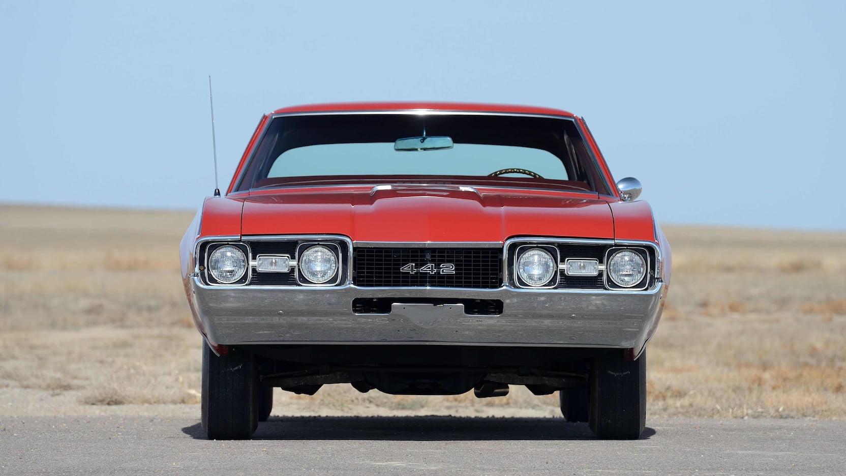 1968 Oldsmobile 442 front