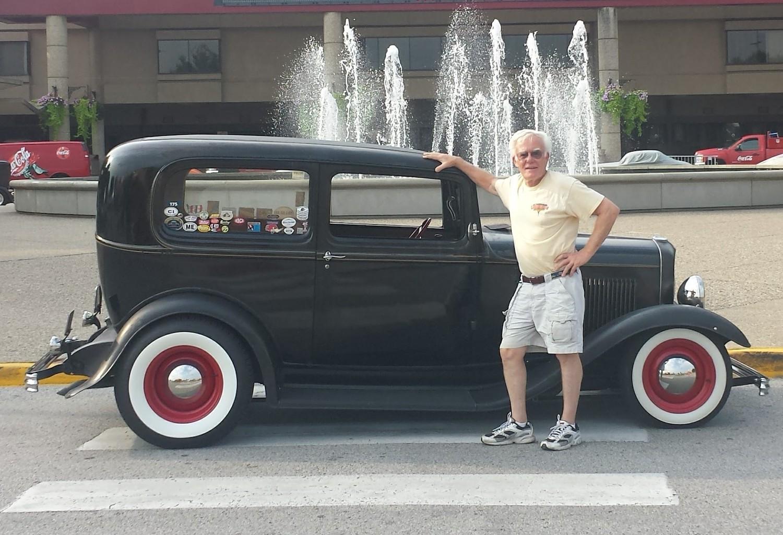 Bart Caliaro 32 Ford
