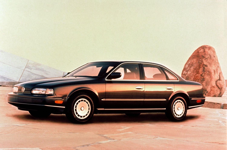 1990 Infiniti Q45 Sedan