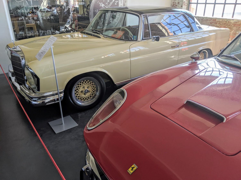 Klassikstadt 1966 mercedes-benz 560 sec