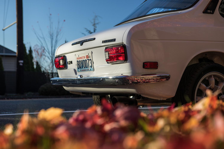 white subaru ff-1 rear taillights