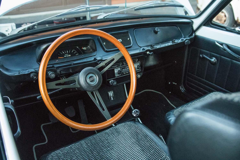 white subaru ff-1 interior