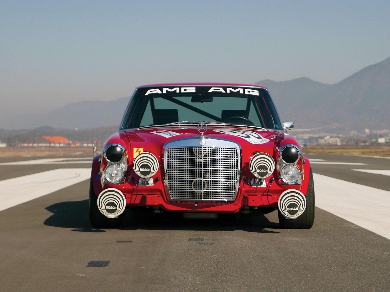 1969 Mercedes-Benz 300 SEL 6.3 'Red Pig' Replica front