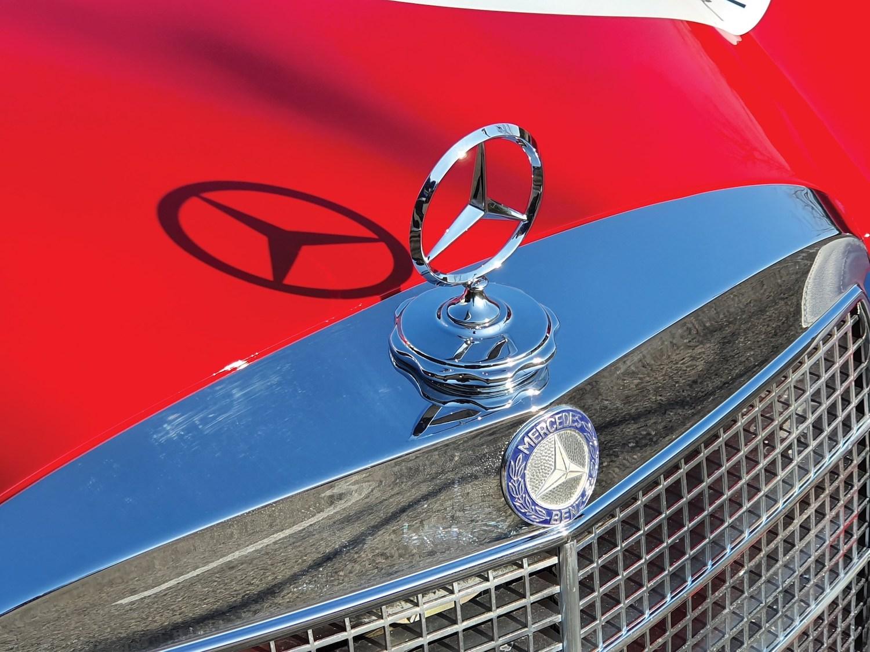 1969 Mercedes-Benz 300 SEL 6.3 'Red Pig' Replica front detail closeup