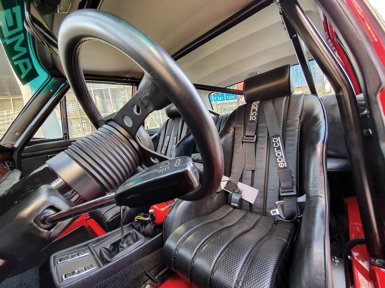 1969 Mercedes-Benz 300 SEL 6.3 'Red Pig' Replica interior