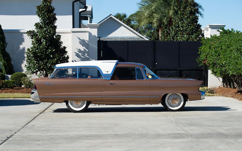 1956 Chrysler Ghia Plainsman side-view