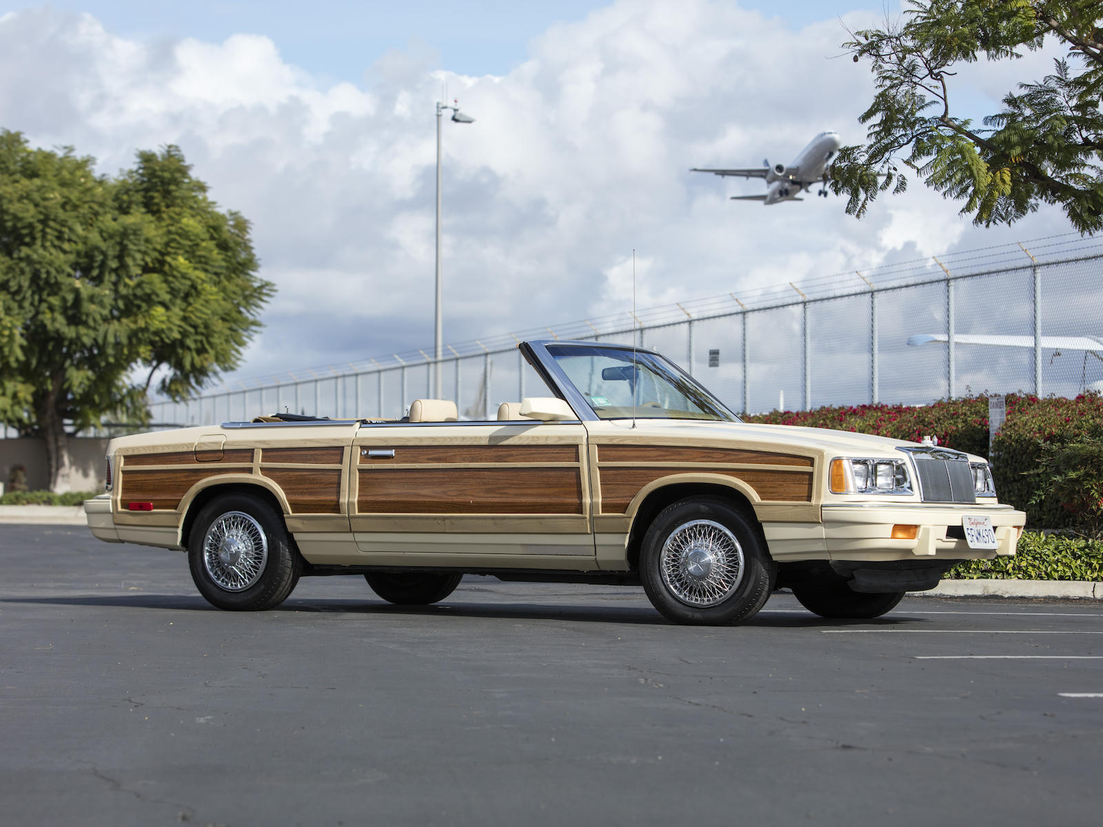 1986 Chrysler LeBaron Town & Country Convertible front three-quarter