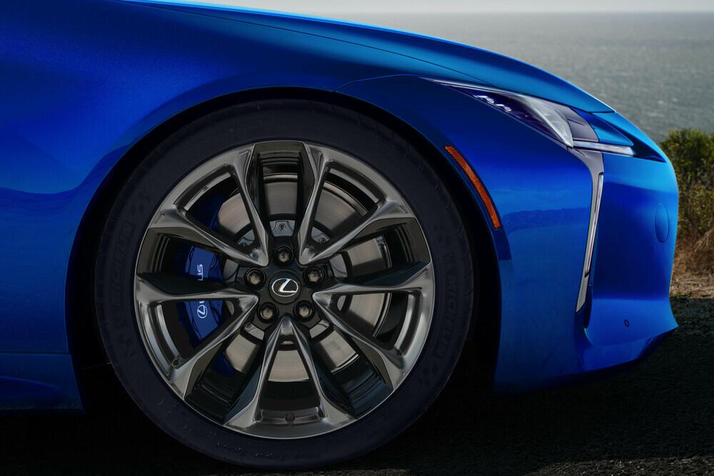 front wheel detail
