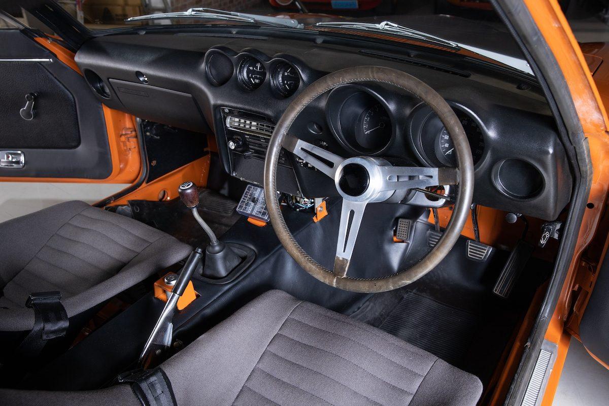 interior steering wheel and dash