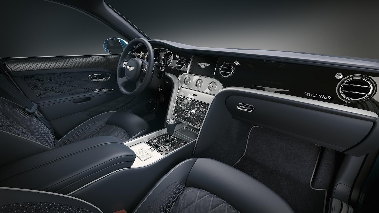 front interior dash console and wheel
