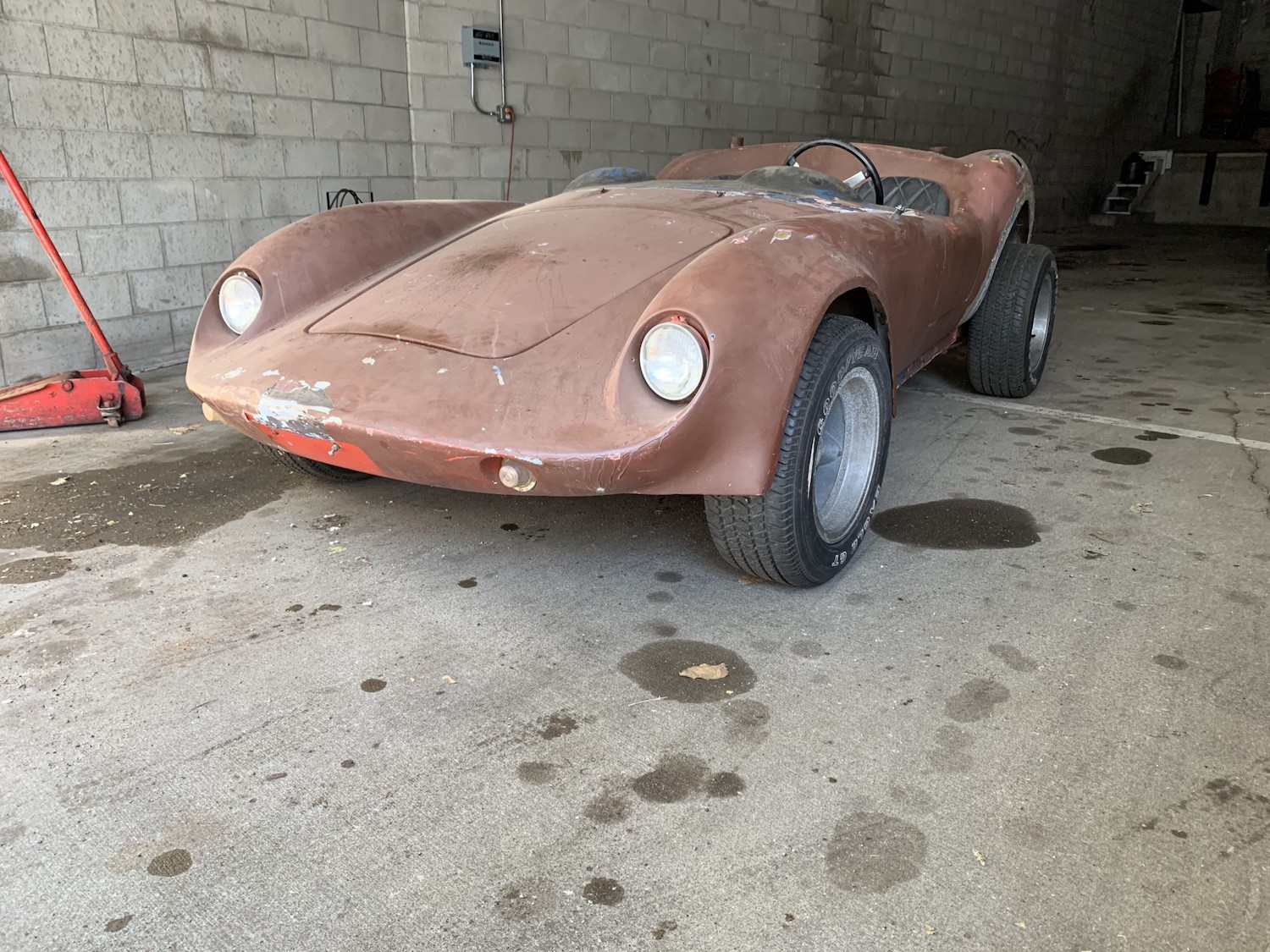 1963 Devin C rolling chassis front three-quarter