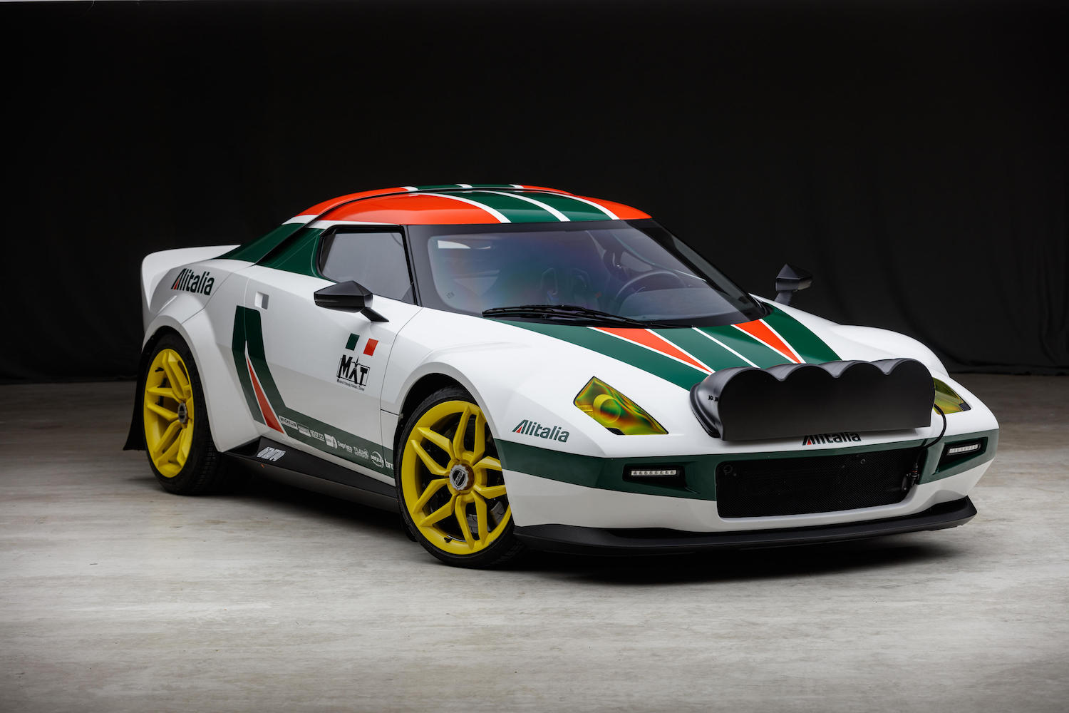 2009/2019 MAT New Stratos Coupe front three-quarter