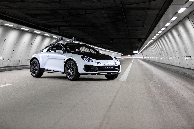 Alpine A110 SportsX front three-quarter