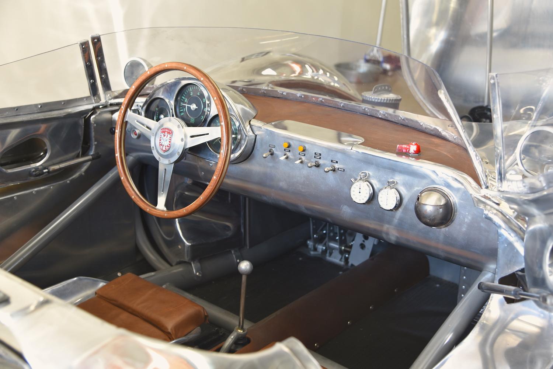 runge interior dash