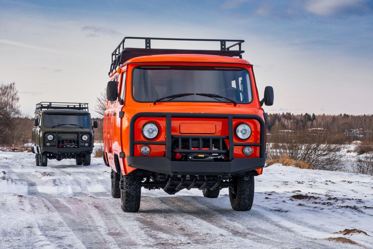 UAZ SGR Expedition front three-quarter
