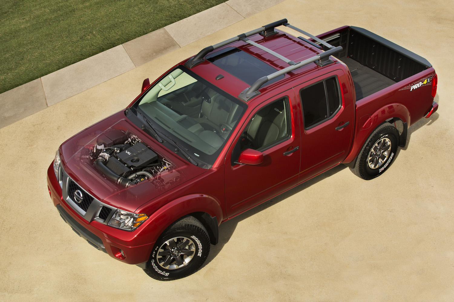 2020 Nissan Frontier front three-quarter engine heart