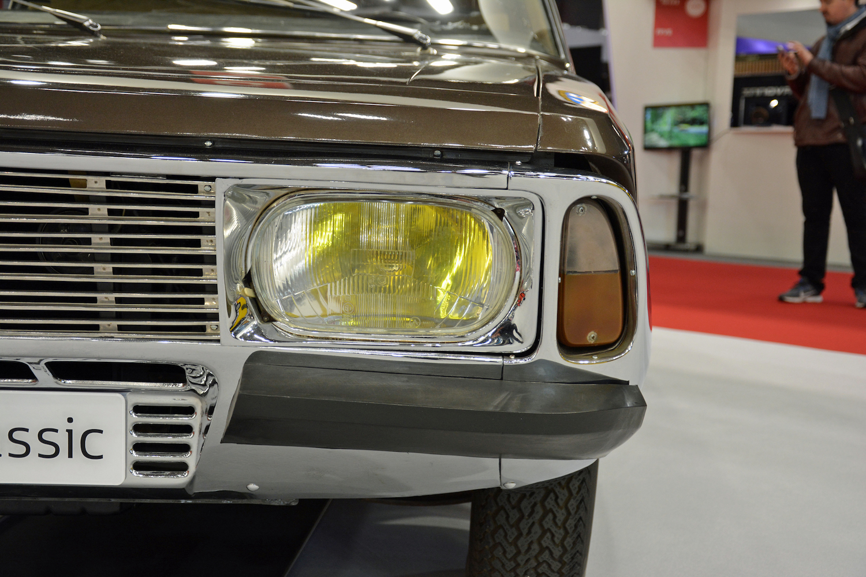 1967 Renault Project H headlight closeup