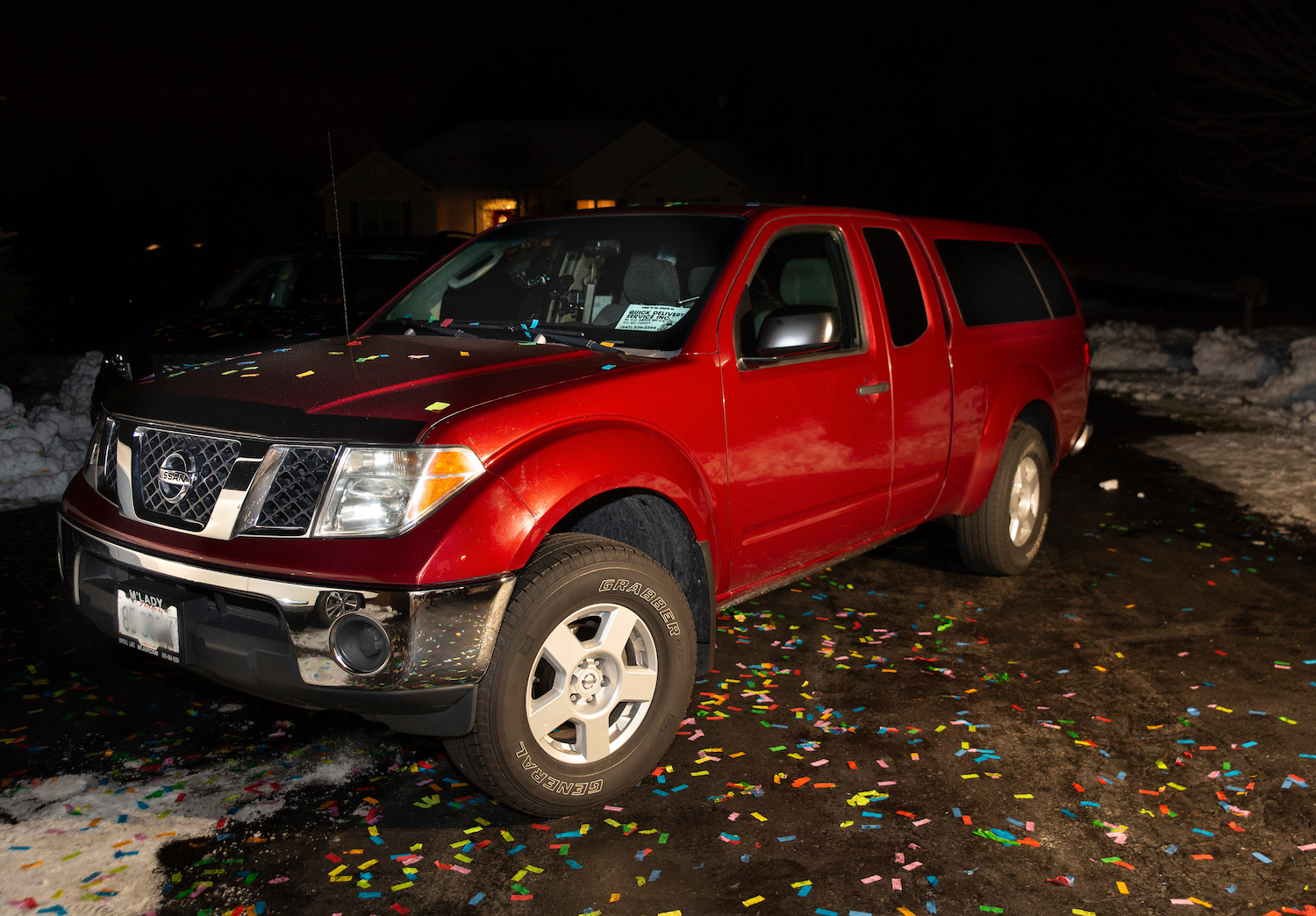 million mile 2007 nissan frontier in confetti front three-quarter