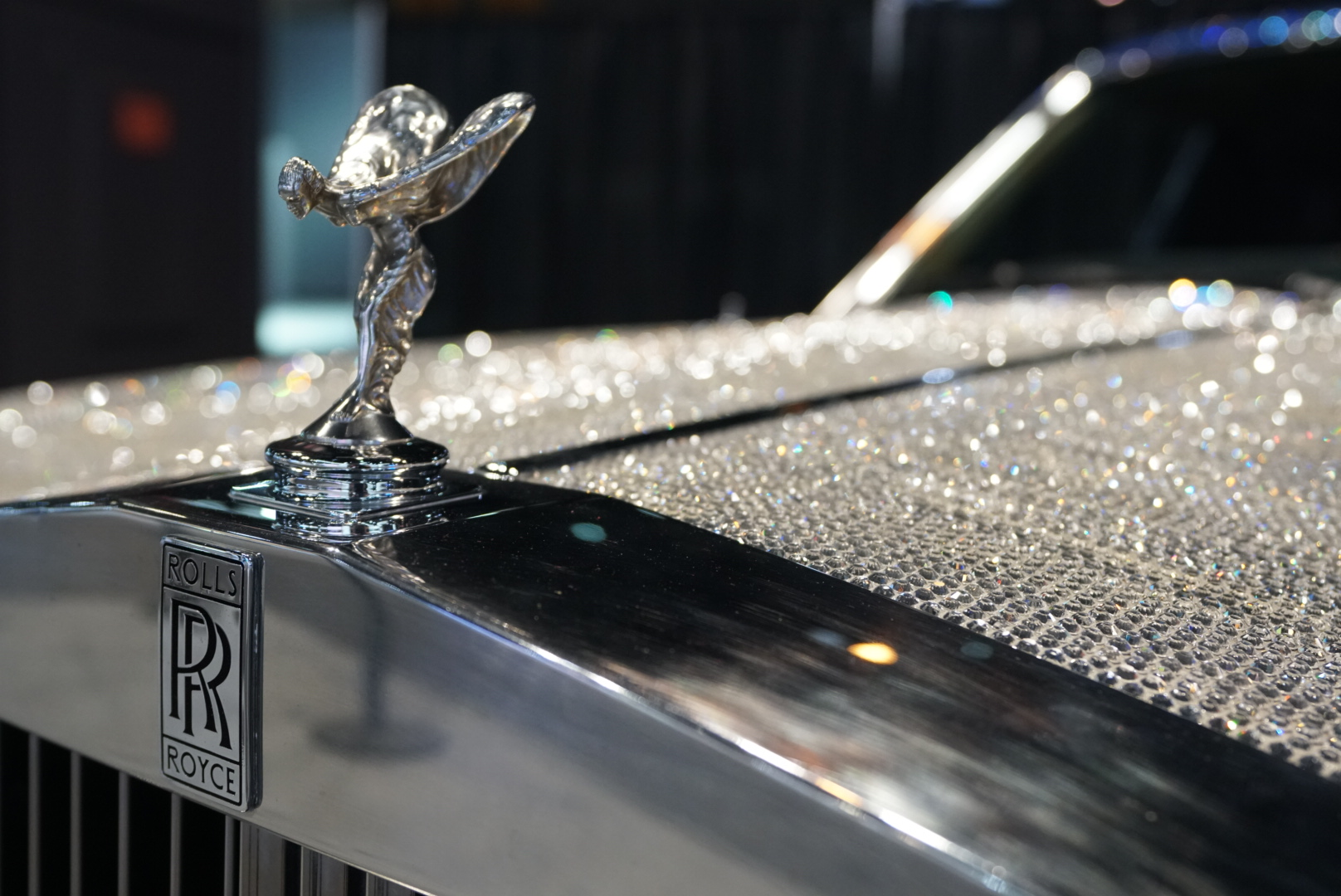 1983 Rolls-Royce Silver Spur hood emblem