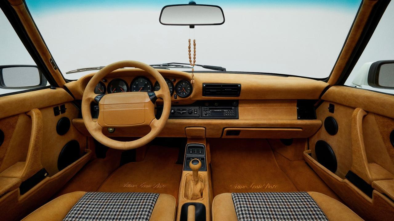 911 Carrera 4 type 964 front interior