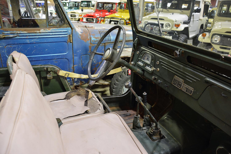 1958 Toyota FJ25 interior