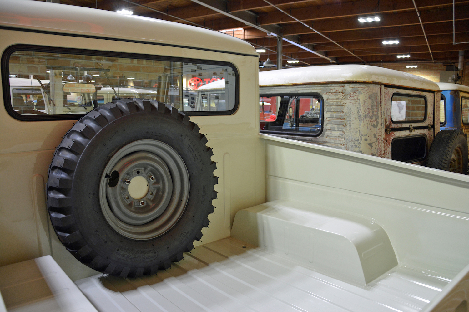 1960 Toyota FJ28L rear bed and spare tire