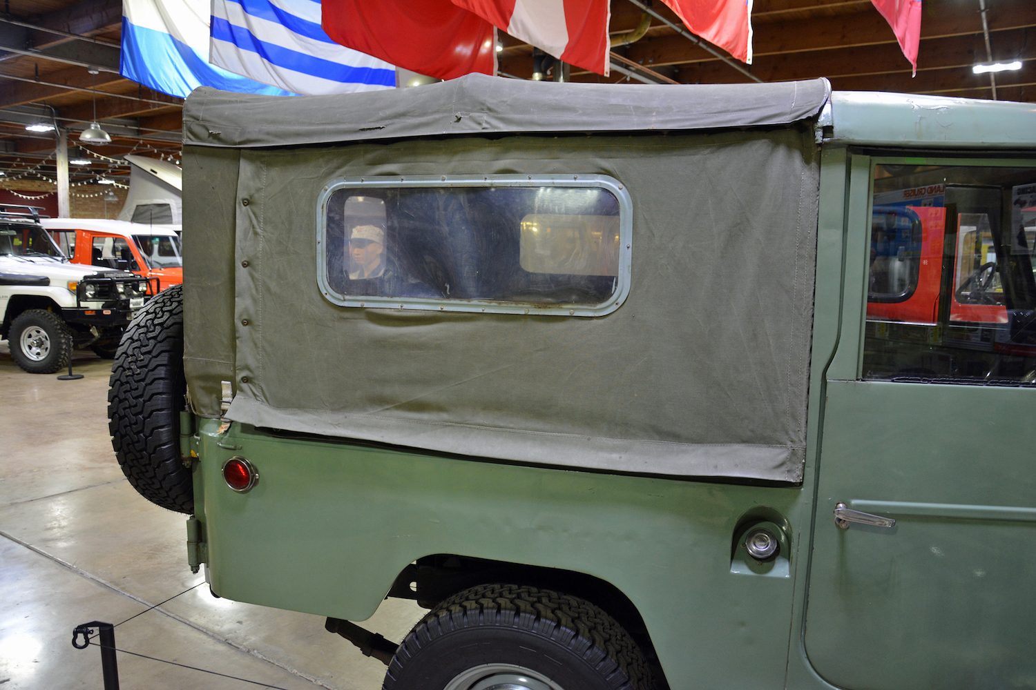 1963 Toyota FJ43 canvas bed cover