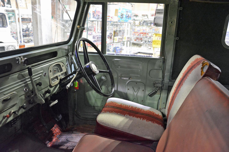 1963 Toyota FJ43 interior