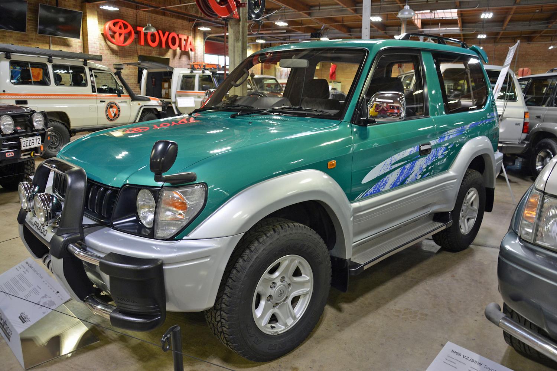 1996 Toyota VZJ90W front three-quarter