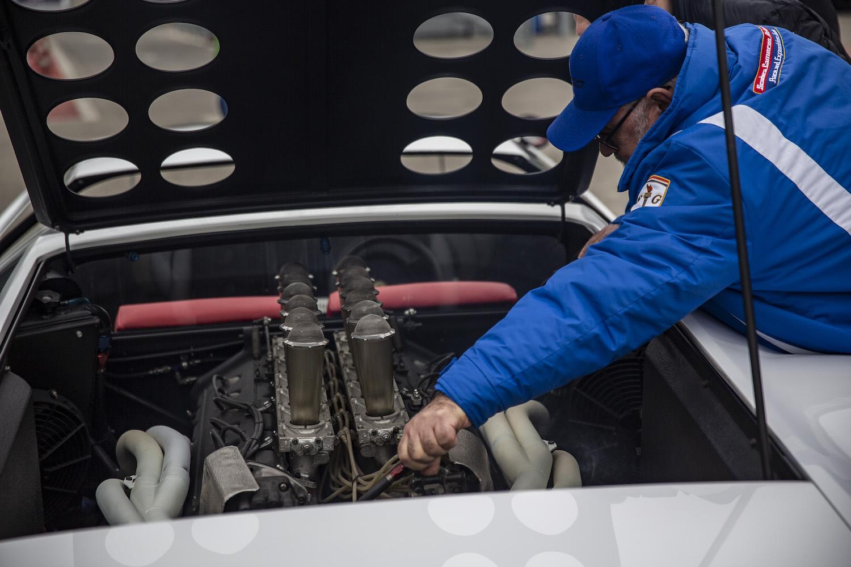 ferrari modulo tech working on engine