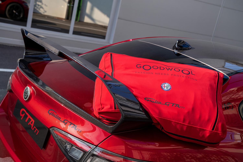 Alfa Romeo Giulia GTA rear three-quarter bag accessory