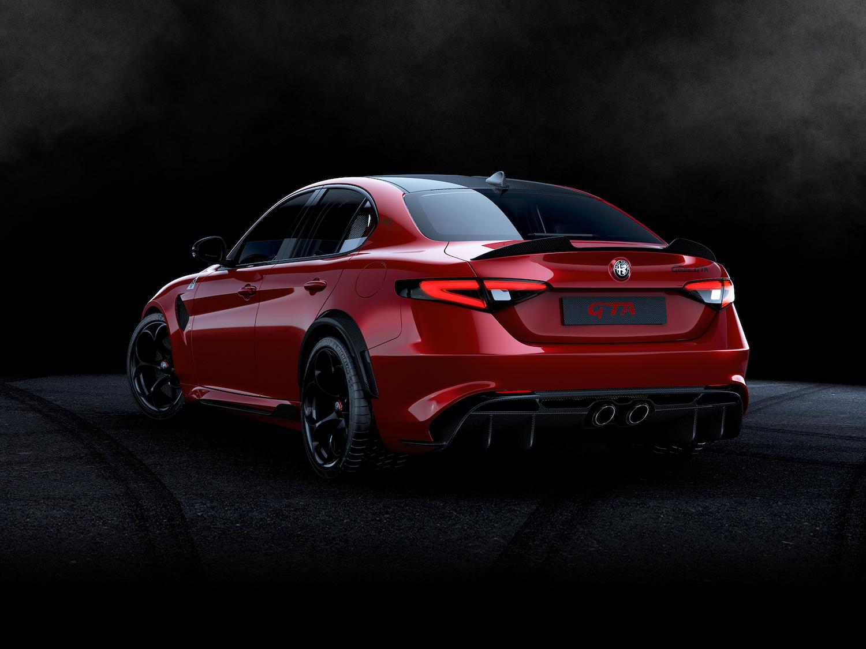 Alfa Romeo Giulia GTA rear three-quarter