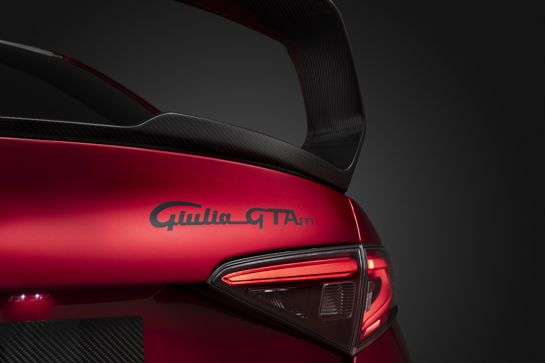 Alfa Romeo Giulia GTA rear lid detail