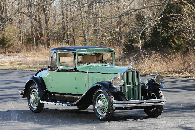 1929 Pierce-Arrow model 125 engine 7301 front three-quarter
