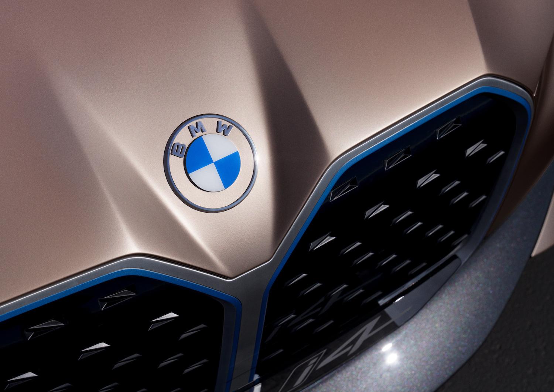 2021 BMW Concept i4 badge grille closeup