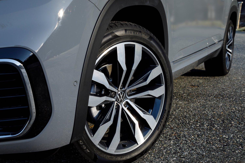 2020 Atlas Cross Sport Pure Grey front wheel
