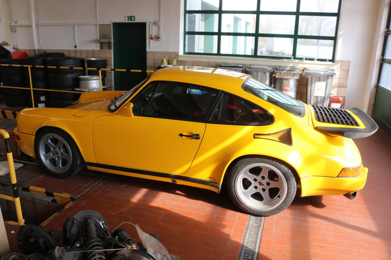 porsche 911 rear side-view
