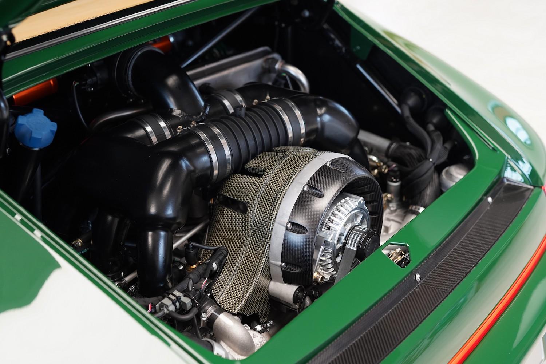 custom porsche 911 engine closeup