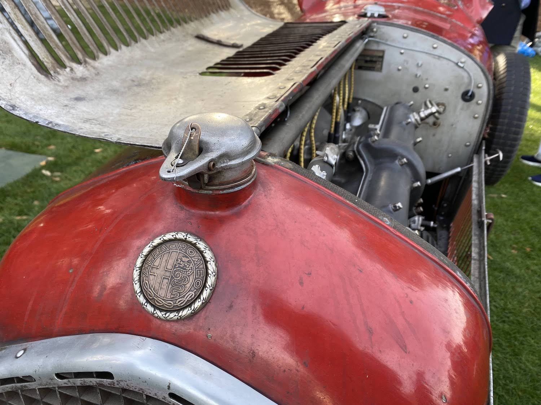 alfa romeo engine hatch open