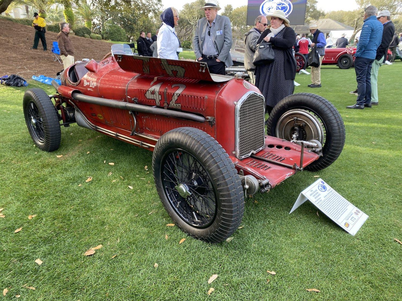 alfa romeo vintage race car front three-quarter