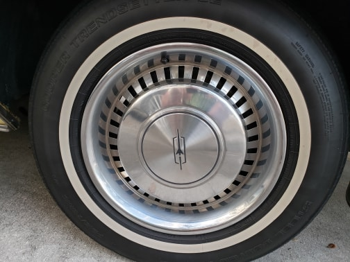 1977 Oldsmobile Cutlass Supreme sedan