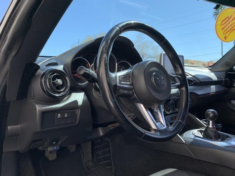 2016 Mazda MX-5 Miata Club steering wheel interior